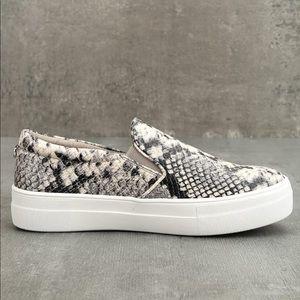 NWOT Steve Madden Snake Print Trendy Gill Sneakers